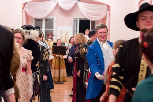 Historické taneční soiré na hradě Houska